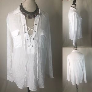 Tops - NWOT AQUA White Front Lace Up Top